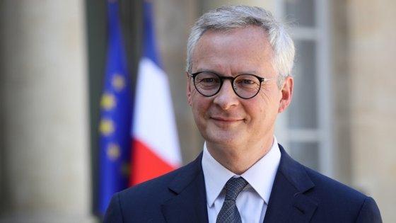 """""""Estávamos a poucos centímetros de um acordo sobre a tributação aos 'gigantes digitais' que são talvez os únicos no mundo que estão a beneficiar com a pandemia do Covid-19"""", sublinhou Le Maire"""