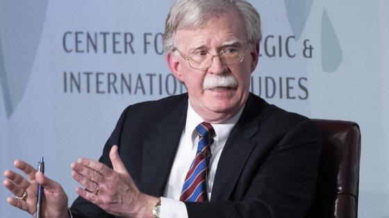 John Bolton esteve na Casa Branca de abril de 2018 a setembro de 2019, de onde se demitiu após divergências com o líder norte-americano
