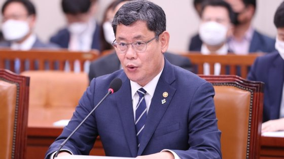 O porta-voz presidencial não adiantou pormenores em relação a um possível sucessor no Ministério da Unificação