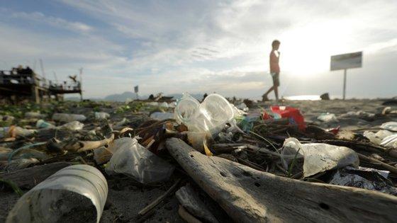 O ministro criticou o uso excessivo do plástico neste de tempo de pandemia