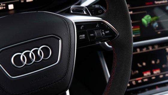 Accionistas minoritários da Audi recebem um prémio de 48% mais do que o valor das suas acções para transferirem a sua participação para o Grupo Volkswagen