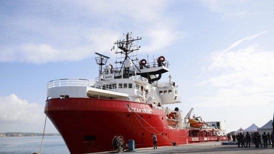 Desde 20 de março que o navio tinha suspensas as operações devido à pandemia de Covid-19, o que fez com que a parceria com os Médicos Sem Fronteiras terminasse em abril