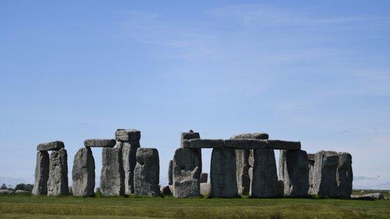 """Através da datação e caracterização de luminescência estimulada oticamente, será possível """"escrever narrativas detalhadas sobre a paisagem de Stonehenge nos últimos 4 mil anos"""""""