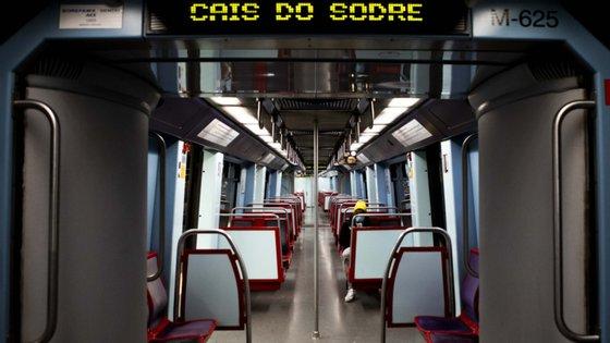A empreitada enquadra-se na concretização do plano de expansão da rede do Metropolitano de Lisboa para o prolongamento das linhas Amarela e Verde