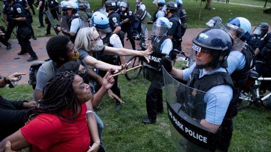 O Lafayette Park já tinha sido palco de confrontos em 1 de junho, quando as forças de segurança dispersaram manifestantes, durante um protesto pacífico