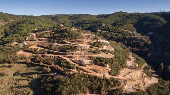 Mina de lítio a céu aberto em Covas do Barroso, concelho de Boticas