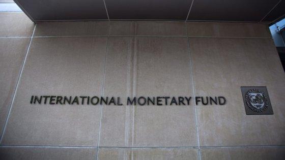 A descida das previsões era já esperada, já que há um mês o diretor do departamento africano do FMI já tinha dito que a realidade era pior que as previsões