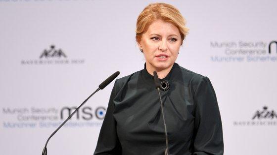 O ministro da Saúde da Eslováquia, Marek Krajčí, informou que a presidente será testada para o novo coronavírus ainda durante esta quarta-feira