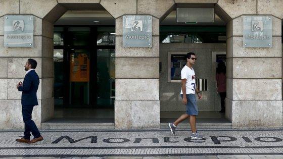 O banco Montepio anunciou na terça-feira que vai fechar 31 balcões, referindo que está reforçar a aposta nos serviços digitais.