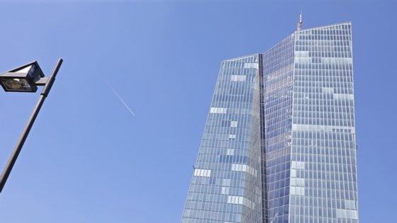 O BCE decidiu aumentar os estímulos monetários porque as condições financeiras se agravaram