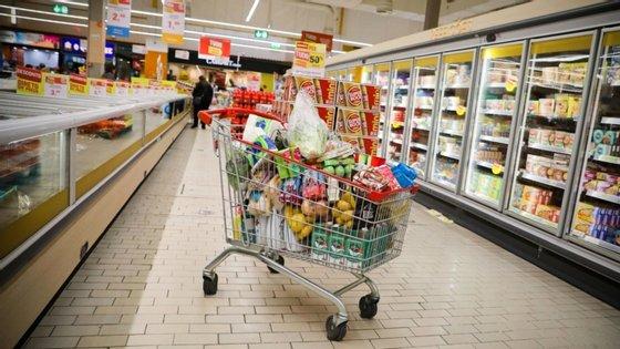"""A AdC diz ter em curso """"mais de 10 investigações"""" no setor da grande distribuição de base alimentar"""
