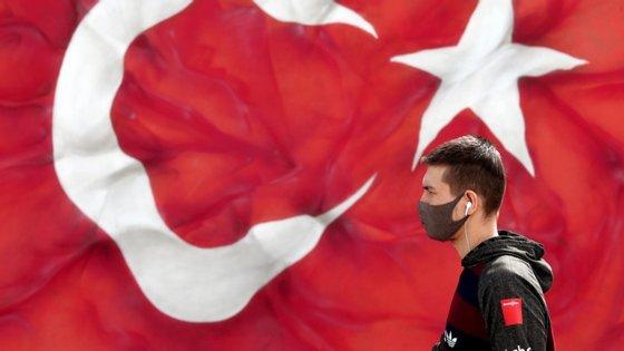 """A prisão perpétua """"agravada"""", que implica condições de detenção mais severas, substituiu nas normas jurídicas turcas a pena de morte, abolida em 2004"""