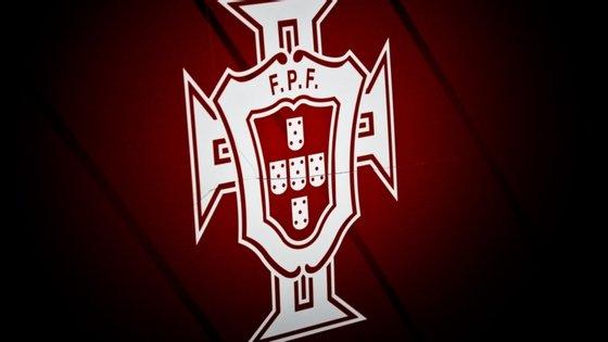 """Um grupo de jogadoras condenou este limite proporsto pela FPF, considerando-o """"discriminatório"""""""