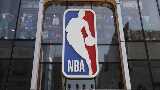 Em 31 de julho, as 22 equipas da NBA reiniciam a competição no complexo desportivo da Disney, em Orlando, na Florida