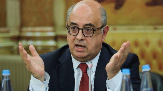O ex-ministro da Defesa, Azeredo Lopes, foi acusado de dois crimes de denegação de justiça e prevaricação (um deles em co-autoria com PJM e GNR), favorecimento pessoal por funcionário e um crime de abuso de poderes