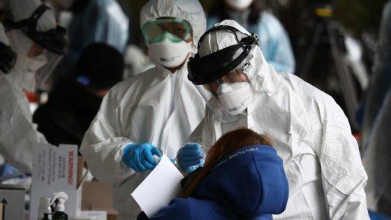 No início da epidemia apenas 10% das infeções eram detetadas em Espanha