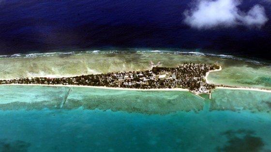 O Quiribáti é país insular composto por 33 ilhas e atóis espalhados por uma grande área do Oceano Pacífico