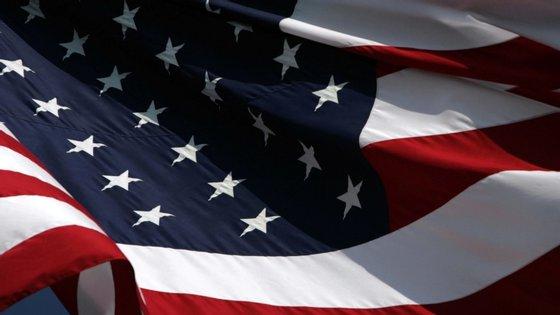 A bandeira atual inclui o padrão que representava os estados do Sul, em oposição à abolição da escravidão, durante a Guerra Civil (1861-1865)