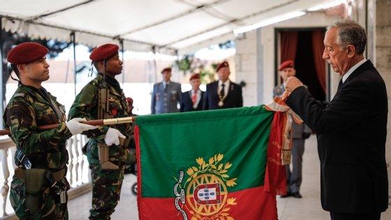 Regimento de Comandos foi anteriormente condecorado com a Ordem da Torre e Espada, em 1985, e com a Ordem de Avis, em 1993