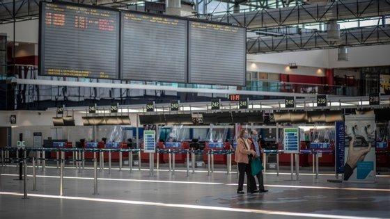 A República Checa encerrou todas as suas fronteiras em 16 de março para combater a contaminação pelo coronavírus