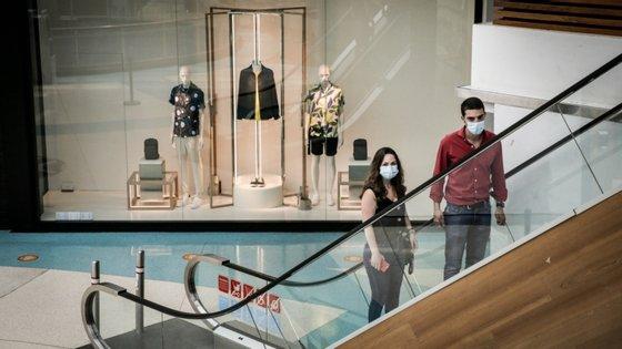 Segundo a associação, a medida pode levar ao encerramento de mais de duas mil lojas