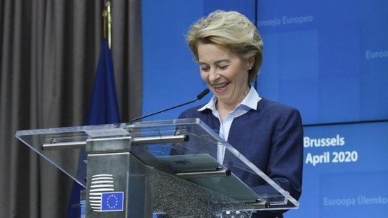 A presidente da Comissão Europeia, Ursula von der Leyen, quer uma resposta concertada para a reabertura das fronteiras externas