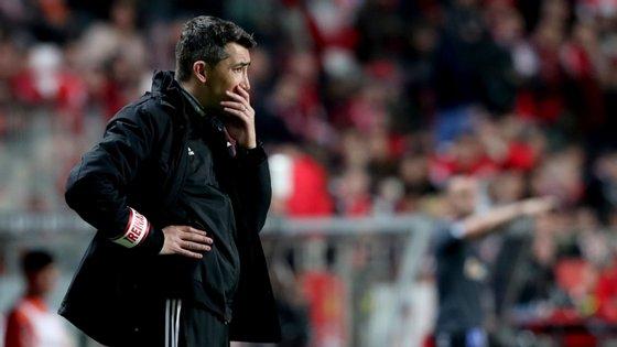 Bruno Lage sai do Benfica um ano e meio depois, com a conquista de um Campeonato e de uma Supertaça
