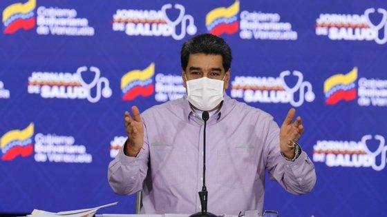 """""""Quem são eles para sancionar? Basta! É por isso que decidi dar à embaixadora da UE em Caracas 72 horas para deixar o nosso país e exigir respeito da UE"""", disse Nicolás Maduro"""
