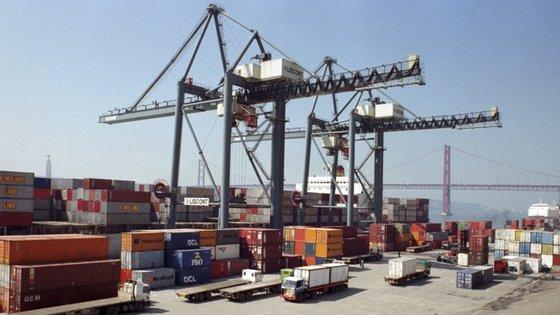 Macau exportou de janeiro a maio produtos avaliados em 4,54 mil milhões de patacas (506 milhões de euros)