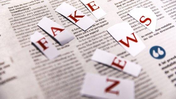 """A iniciativa, colocada em marcha pelo Observatório Europeu de Meios Digitais, visa """"coordenar"""" a luta contra a desinformação (fake news) entre os Estados-membros, criando uma """"comunidade multidisciplinar composta por investigadores, verificadores e profissionais da comunicação""""."""