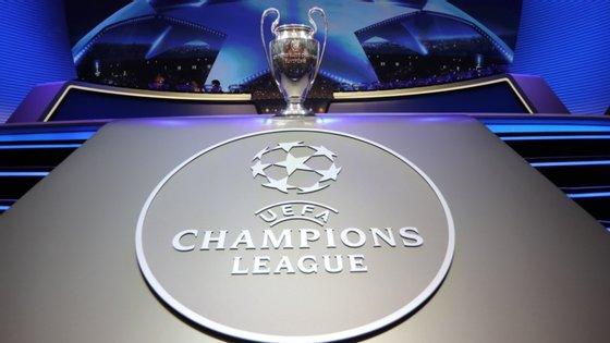 """O Governo português, a UEFA e a FPF observaram que este será um torneio inédito e que """"apresenta grandes desafios"""" mas reforçaram a convicção de que estão reunidas as condições para receber os jogos"""
