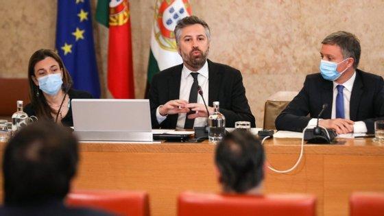 O ministro falava numa audição parlamentar na comissão de Economia, Inovação, Obras Públicas e Habitação