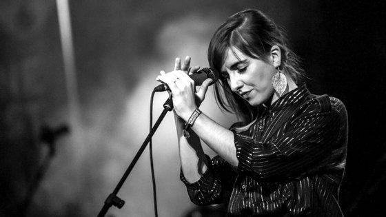 A cantora Márcia vai dar um concerto a solo no Teatro Municipal São Luiz, a convite do clube noturno de concertos e DJ sets Musicbox