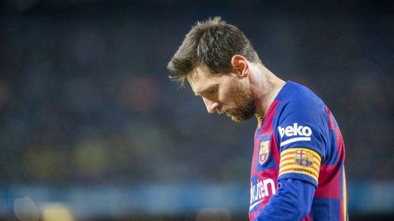 Lionel Messi é o melhor marcador da Liga, chegou ao golo 700 em jogos oficiais na carreira mas Barcelona continua a marcar passo