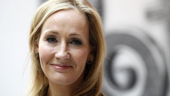 """A polémica publicação de Rowling foi feita a 6 de junho, quando a autorachamou a atenção para a expressão """"pessoas com menstruação"""" referida num artigo de opinião"""