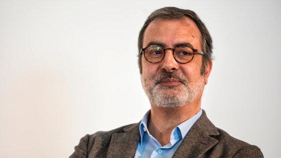 Frederico Lourenço é ensaísta, tradutor, ficcionista e poeta
