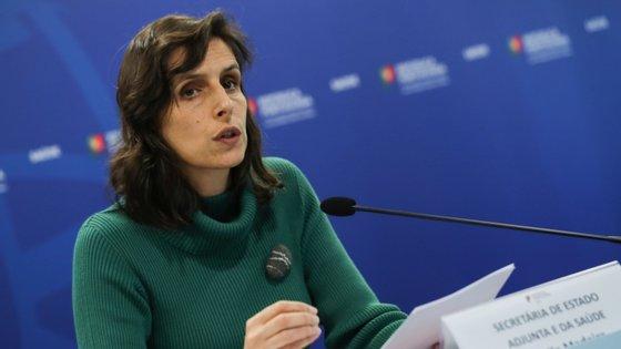A secretária de Estado Adjunta e da Saúde, Jamila Madeira, assumiu que as autoridades têm tido dificuldades a chegar a todos os infetados e explicou porquê