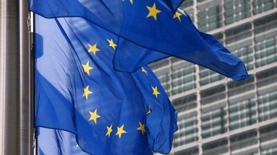 """Apenas 4% dos italianos e alemães nomearam a UE como sua """"maior aliada"""" durante a crise"""