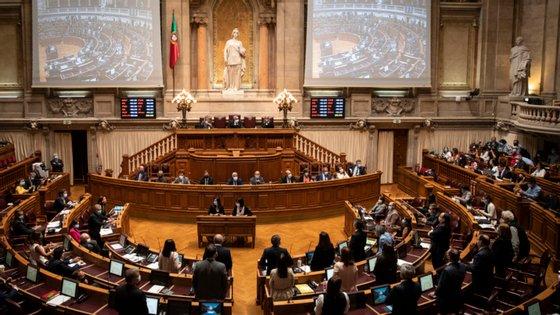 """""""Há milhares de empresas que não receberam os subsídios do Estado"""", diz Jorge Pisco"""