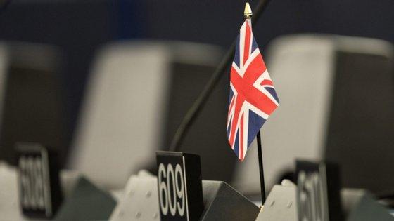 A quarentena obrigatória de duas semanas foi imposta a 8 de junho a todas as chegadas do estrangeiro ao Reino Unido