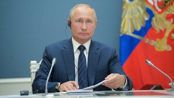 """""""Quero agradecer aos cidadãos russos. Muito grande obrigado pelo vosso apoio e a vossa confiança"""", declarou o Presidente russo"""