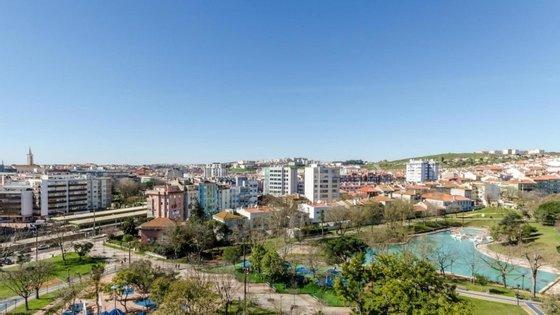 O município da Amadora, com cerca de 180 mil habitantes, é um dos cinco concelhos da Área Metropolitana de Lisboa com medidas restritivas