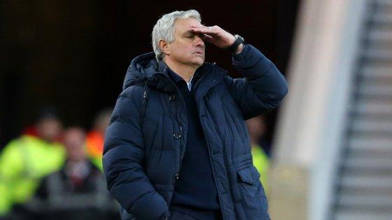 Tottenham de José Mourinho perdeu pela primeira vez na retoma, após empate com Manchester United e vitória frente ao West Ham