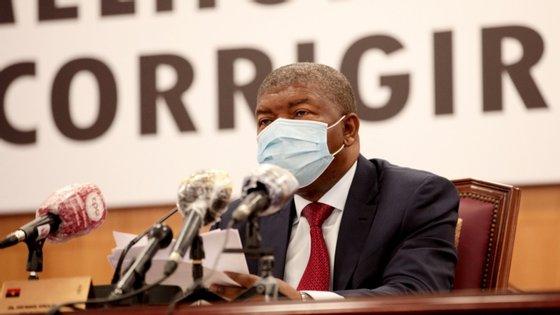 Os chefes de Estado de Angola e da África do Sul conversaram esta quinta-feira, via telefone.
