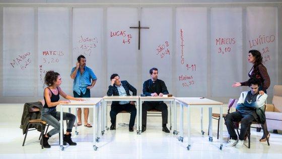 """""""Mártir"""" parte do texto do dramaturgo alemão Marius von Mayenburg, aqui encenado pelo diretor artístico da Companhia de Teatro de Almada (CTA), Rodrigo Francisco"""