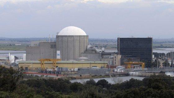 A central nuclear de Almaraz, cujo encerramento tem sido pedido insistentemente por diversas organizações e entidades
