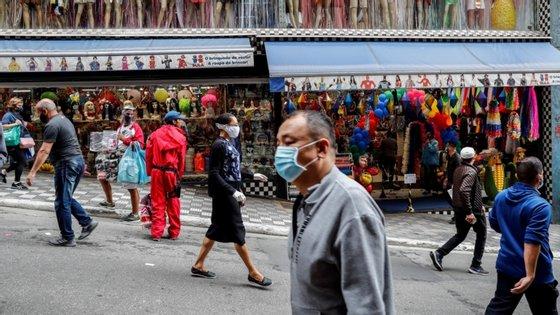 Na quinta-feira, São Paulo contabilizou o seu maior número diário de novos casos de infeção desde o início da pandemia, com 12.244 pessoas diagnosticadas em 24 horas