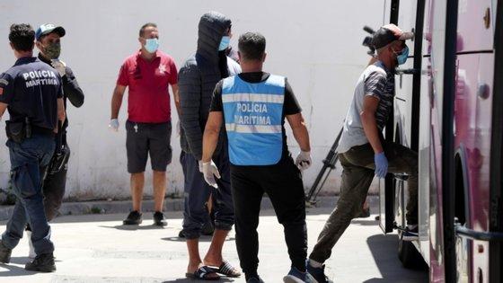 Os três desaparecidos são de nacionalidade marroquina e faziam parte do grupo de 22 migrantes que chegou à região do Algarve numa embarcação em 15 de junho