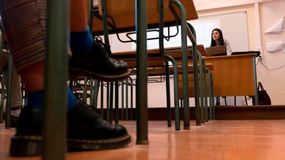 No início da semana, o SNESup alertou para a urgência da prorrogação dos contratos temporários, recordando que muitos estavam prestes a terminar, o que iria fazer com que houvesse docentes a trabalhar sem vínculo contratual.