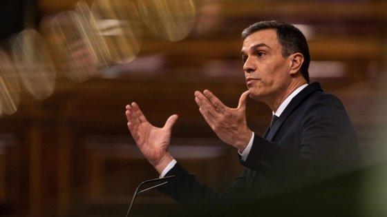 Sánchez aproveitou também para criticar o PP e acusar a direita de não querer ajudar a recuperar o país